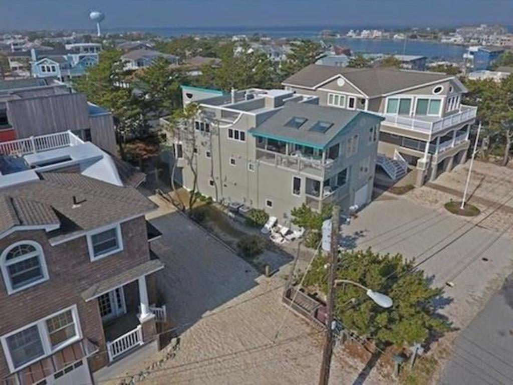 harvey-cedars-nj-ocean-side-vacation-rental-140084-89725688-3