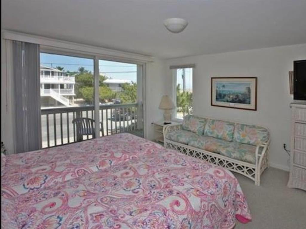 harvey-cedars-nj-ocean-side-vacation-rental-140084-89725688-7