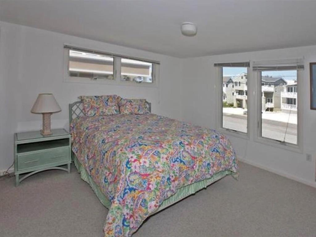 harvey-cedars-nj-ocean-side-vacation-rental-140084-89725688-8