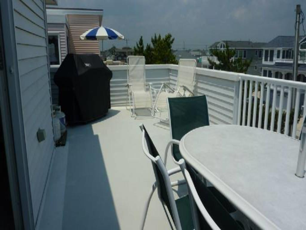 ship-bottom-nj-ocean-side-vacation-rental-140101-1604169464-6